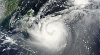 Typhoon Tembin hits Taiwan