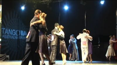 Argentina capital in grip of tango fever