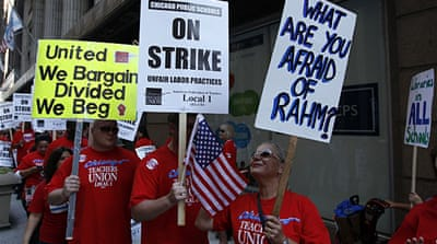 Teachers take over the streets outside the headquarters of Chicago Public Schools on September 10 [REUTERS]
