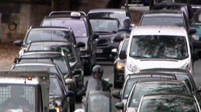 Paris mayor bans vehicles to reduce traffic