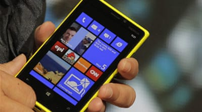 Nokia unveils phone to challenge Apple