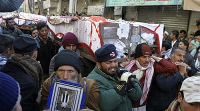 Pakistan Shias bury bombing victims in Quetta
