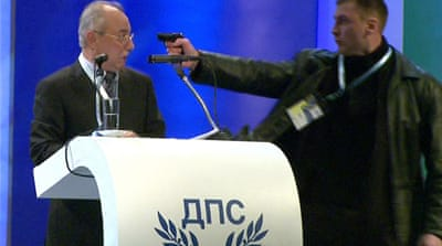 Man holds gun at Bulgarian politician