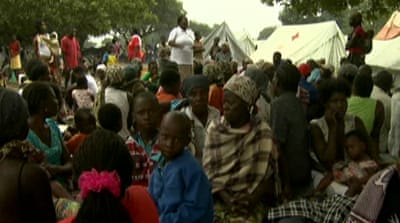 Thousands flee Mozambique floods