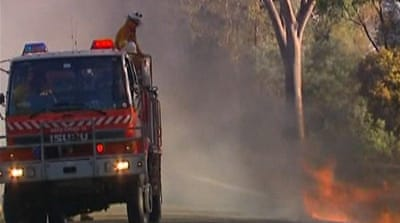 Searing heat fuels Australia forest fires