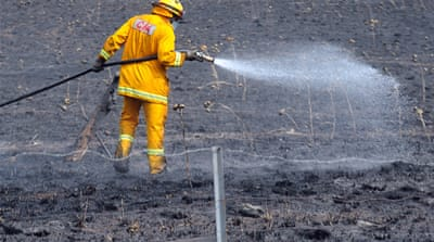 Weather cools Australia bush blaze