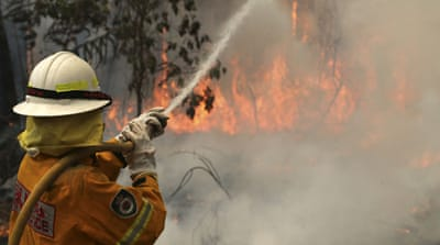 Bushfires blaze on in Australia's southeast