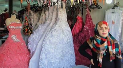 Teenage Syrian refugees wed 'for protection'