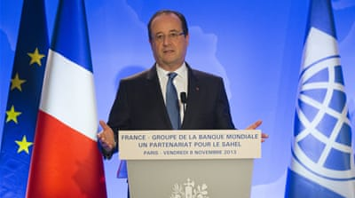 French President Hollande's approval ratings has seen a drop over his budget policy  [AP]