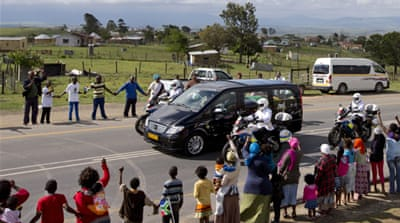 Mandela's body arrives in home village