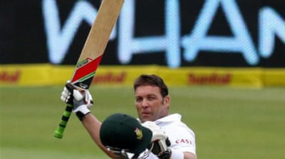 South Africa's Jacques Kallis  reached his ton in 273 balls to a standing ovation [AFP]