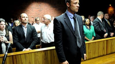 Pistorius says he shot girlfriend by mistake