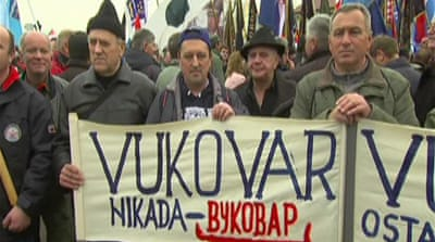 Protests in Croatia over bilingual signs