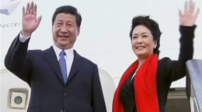 China's first lady emerges as style icon