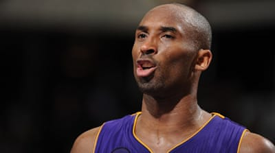 Kobe Bryant scored 19 points and tied a season high with 14 assists to move to 31, 421 career points [AFP]