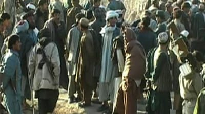 Afghan villagers look to halt Taliban control