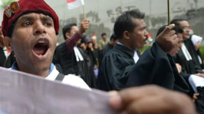 Indonesia mulls limiting political groups