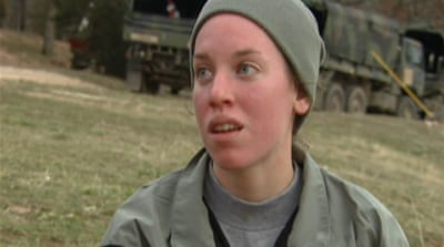 US army course pits women against men
