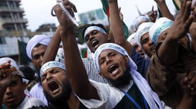 Bangladesh clashes rage over blasphemy law