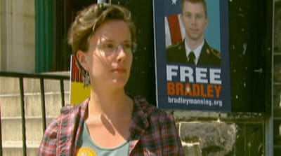 Former political prisoner defends Manning