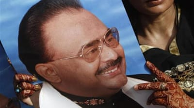 Pakistan's Altaf Hussain arrested in UK