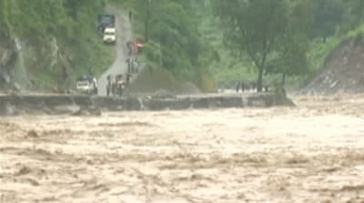 Floods and landslides kill hundreds in India