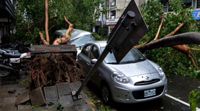 Thousands evacuated as typhoon hits China