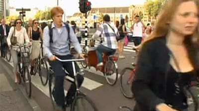 Amsterdam clogged up by bikes