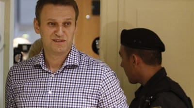 Russian prosecutors want Navalny freed