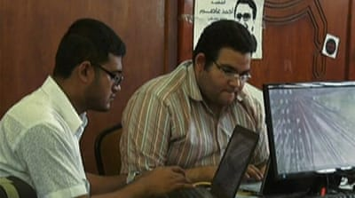 Morsi groups push message on makeshift media