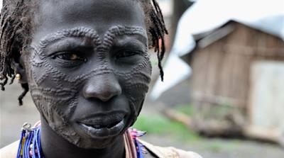Murle women flee tribal violence in S Sudan