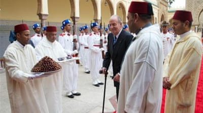 King Mohammed VI of Morocco pardoned 48 prisoners following the visit of the Spanish king (centre) [Getty Images]