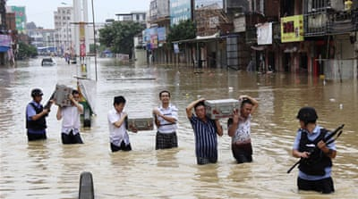 Hundreds dead or missing in China floods