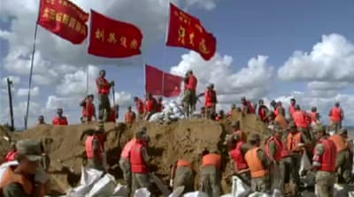 Army battles floods in China