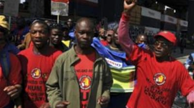 Wage strike hits South Africa gold mines