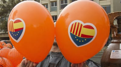 Catalans join hands to demand independence