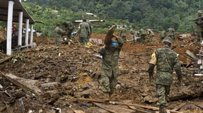 Mexico rescuers search for mudslide survivors