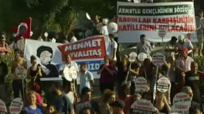 Turks rally against Syria intervention