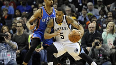Memphis' Courtney Lee (5) scored his season-high 24 points, including the closing two free throws [Reuters]