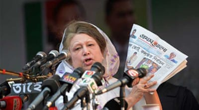 Newspapers which are critical of Bangladesh's ruling party risk being shut down, say analysts [Reuters]