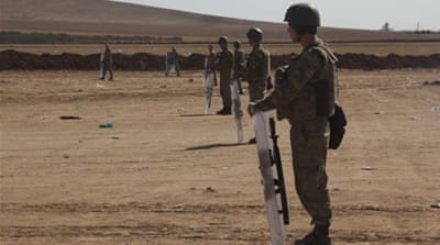 Turkey 'there just to watch' in Kobane