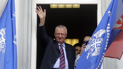 Hero's welcome for Serb accused of war crimes