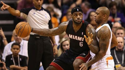 LeBron James scores 25 points in an impressive second half display against the Phoenix Suns [AFP]