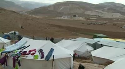 Syrian refugees escape to Lebanon's Arsal