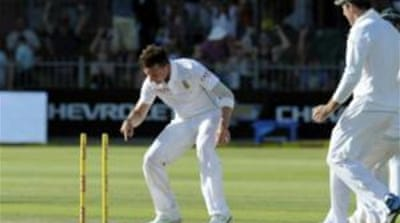 Dale Steyn's menacing reverse-swing remained a huge worry for Australia in the second Test [AFP]