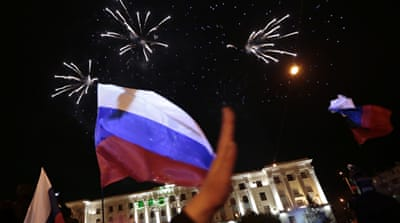 Crimeans 'vote to join Russia'