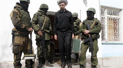 Pro-Russia forces enter Ukraine naval base