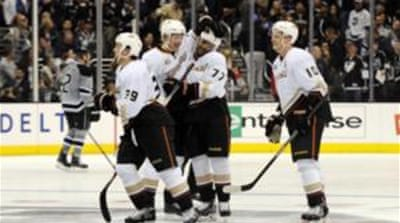 Devante Smith-Pelly (77) scored the only goal in the shootout to seal Ducks' win [Reuters]