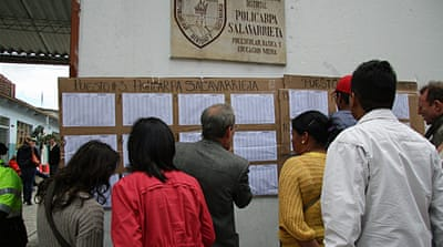 Turnout in Colombia's presidential election was its lowest in four decades [Chris Arsenault/Al Jazeera]