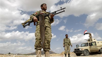 Yemen army fighting war on two fronts